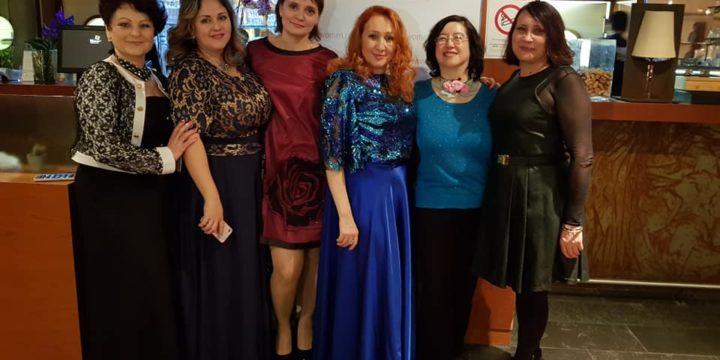 (Русский) 3 ноября в рамках Международного форума выставки «Руками женщины» состоялся официальный галла ужин в ресторане парка « Оранжери»